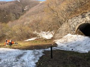 栗子トンネル前のテント
