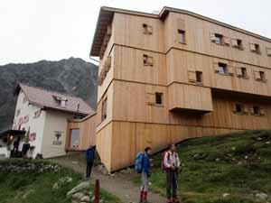 クノーテンシュピッツェの山小屋